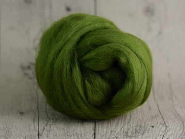 CHUNKY wool ivy green 100 % virgin wool from the merino sheep