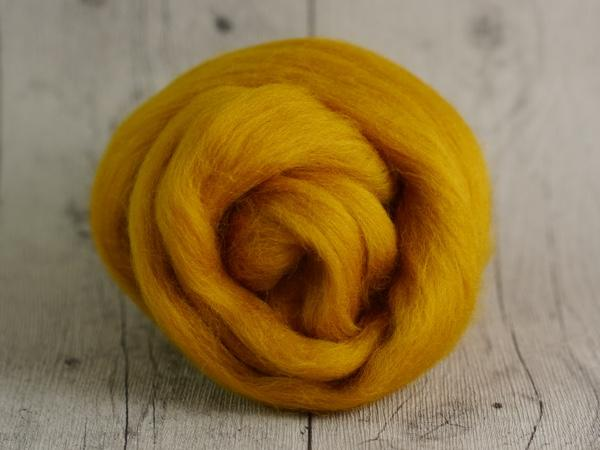 CHUNKY wool saffron yellow 100 % virgin wool from the merino sheep