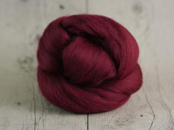CHUNKY wool wildberry red 100 % virgin wool from the merino sheep