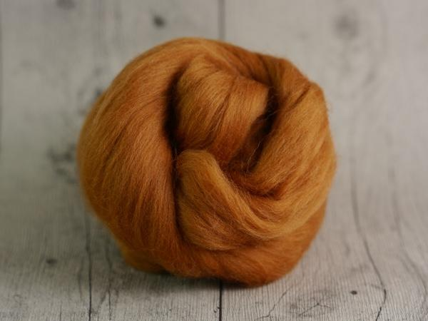 CHUNKY wool cinnamon brown 100 % virgin wool from the merino sheep